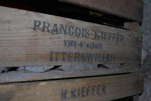 Vieilles caisses de vin Nicolas et François Kieffer